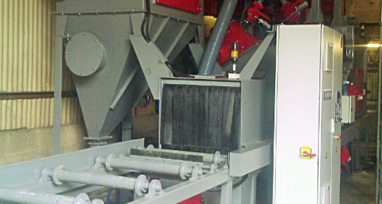 Roller conveyor shot blasting machine – P Basic