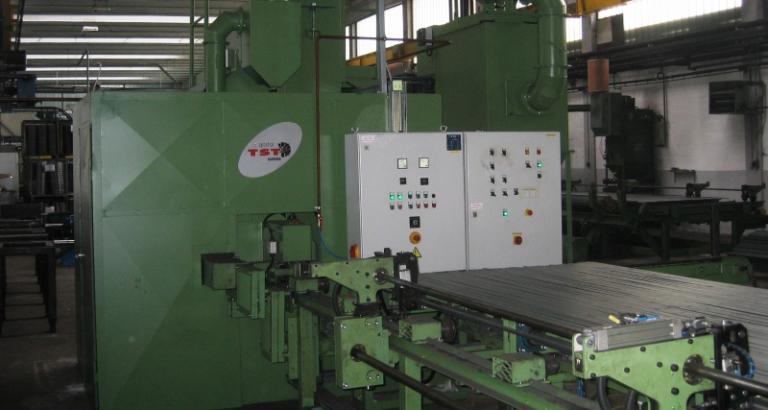 Shot blasting machine for blasting of flat steel – PL