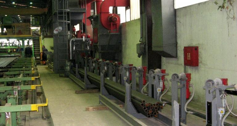 Tube / Pipe and solid bars shot blasting machine - PC